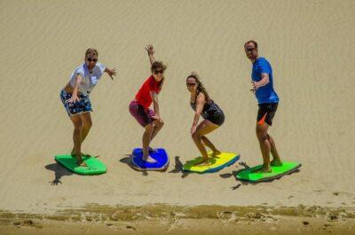 Te Paki Giant Sand Dunes - Nejlepší sand boarding Nového Zélandu